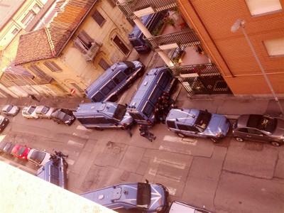 Operação policial no centro social L'Asilo Occupato, a 3 de Junho de 2014.