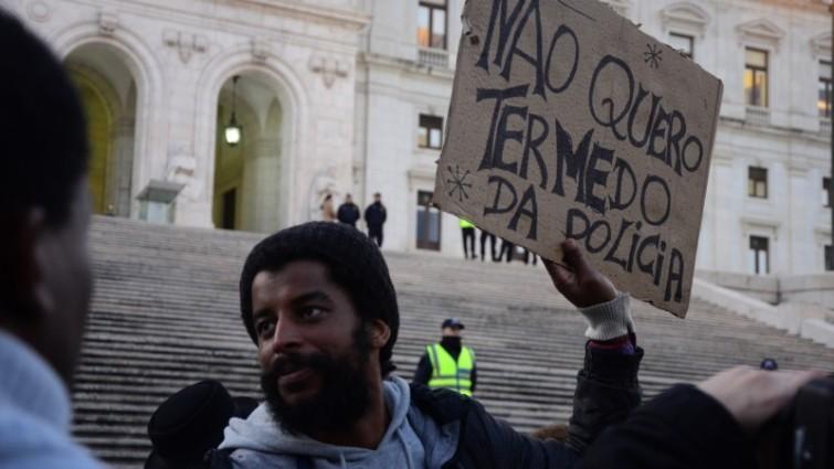 Há justiça para o racismo? Uma pequena retrospectiva sobre discriminação racial nos tribunais em Portugal